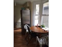 4 ROOMS IN THE SAME HOUSE IN LEYTON*SEDGWICK RD