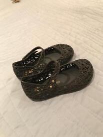 Size 25/26 Melissa Campana girls shoes