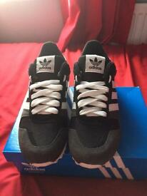 Mens size 8 adidas trainers