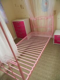 Pinki single bed for girl