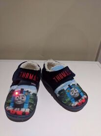 Thomas the tank engine slippers infant size 8