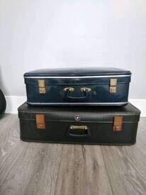 2 vintage suitcases, blue and green