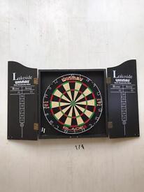 Dartboard - Winmau Lakeside World Championship dartboard and cabinet