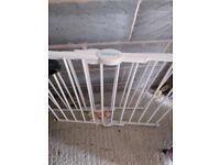 3 lindam baby gates for quick sale