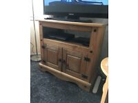 Corana tv stand