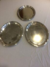Silver plated items - 3 Oval Shaped Platters; 1 Circular Tray, 2 Jugs & 1 Dish (7 items in total)