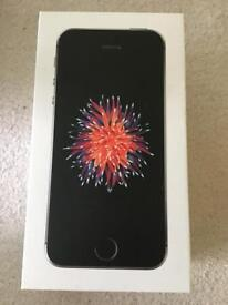 Iphone SE in very good condition with warranty 8 months old