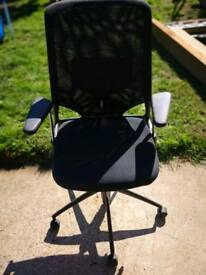 Vitra Meda 2 Xl office chair