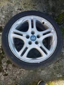 Alloy wheel 17