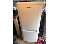 fridge freezer £15