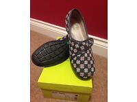 Ladies hotter slippers