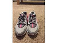 Nike Huarache size 5.5