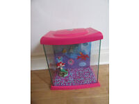 CHILDREN'S FISH TANK AND PUMP