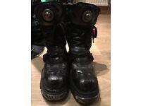 NEW ROCK Boots Size 8 UNISEX