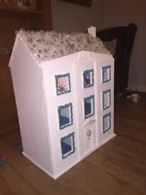 """REDUCED TO £75 ""ONE OF "" FROZEN DOLLS HOUSE"