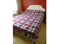 Beautiful red/blue vintage Welsh tapestry wool blanket 240cm x 240cm