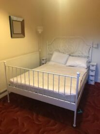 Double Room in Warm Victorian House - Rugby - Warwickshire