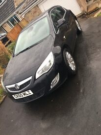 Black Vauxhall Astra 1.7 diesel top spec leather + heated seats, front & rear p/sensors, + cruise