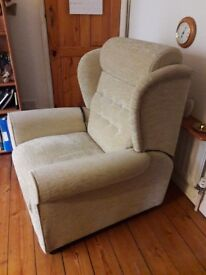Riser chair for sale in excellent condition