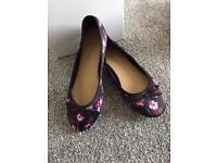 Flats shoe size 4