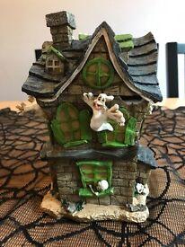 Haunted ghost house ornament - Halloween prop - Sweet storage