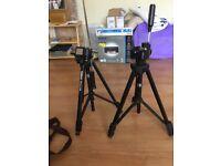2 camera stands