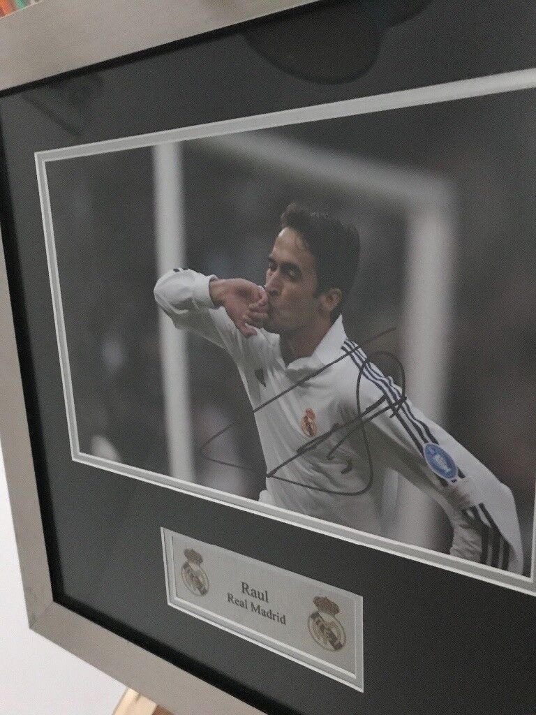 Signed Raul picture