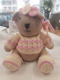 Knitted teddys
