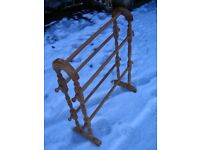 Rubber wood floor standing bathroom towel rail, natural wooden free standing bathroom rack. Vintage.