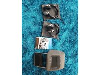 2x PAIRS GENUINE LAND ROVER REAR ENTERTAINMENT CORDLESS HEADPHONES AND HEAD SET