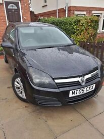 Automatic Vauxhall Astra mk5. Excelent reliable car