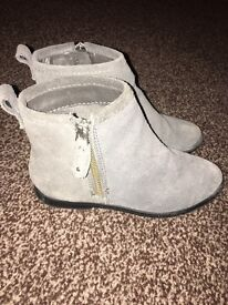 Girls grey ankle boots
