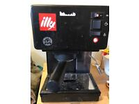 Illy coffe machine