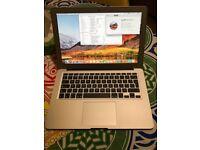 Apple MacBook Air 13 2015 1.6Ghz intel Core i5, 4GB DDR3 Ram, 128gb SSD, Intel HD6000 Graphics