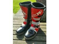 Novogar Rage Trails Boots. Size 9 / 43