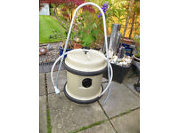 40lt Aquoroll water container with handle and filling hose