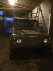 Land Rover defender 110 county