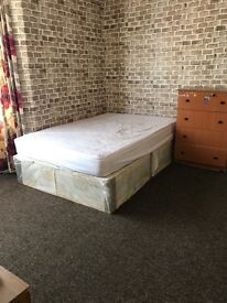 A spacious double room to rent in Plaistow including Bills