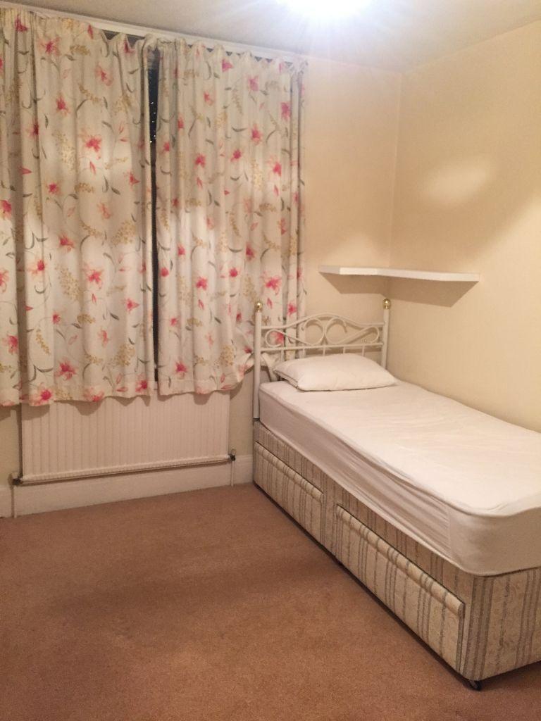 Very Nice 3 Bedroom House In Barking
