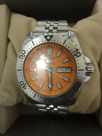 Mens Seiko 5 Sports Auto Diver Orange Face brand new in seiko box made in japan