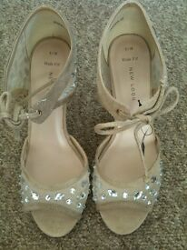 New ladies shoes from New Look in size 5.