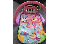 Baby play mat with piano pick up sthelens