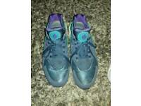 USED SIZE 11 UK NIKE AIR HUARACHE