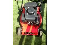 Lawnmower champion Briggs and Stratton self propelled