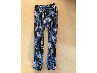Oasis size small ladies patterned trousers