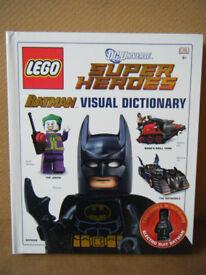Lego Super Heroes, BATMAN, VISUAL DICTIONARY, Great condition with Electro Suit Batman figure