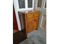 Quality items: matching wardrobe and chest of drawers, coffee table, kitchen table etc