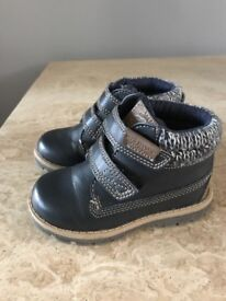 Toddler boy's navy boots size 6