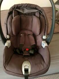 Mamas and papas car seat with base isofix