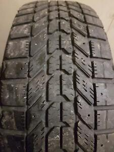 4 PNEU HIVER - FIRESTONE 185 65 15 - WINTER TIRES